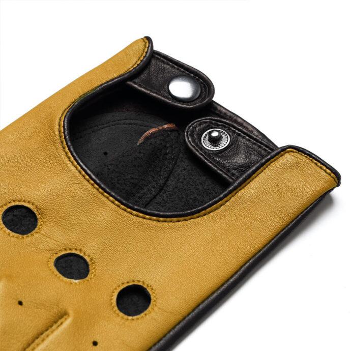 Żółte dotykowe rękawiczki samochodowe