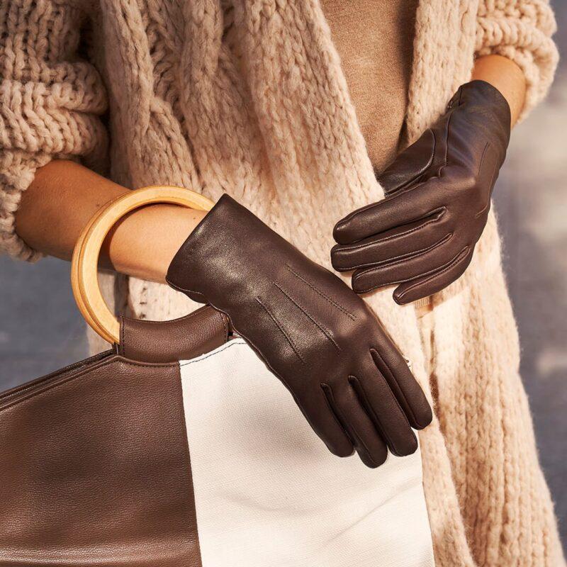 Brązowe klasyczne damskie rękawiczki