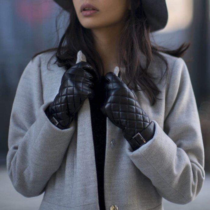 Czarne pikowane rękawiczki damskie